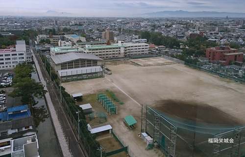 母校 校庭東 整備された多布施川.jpg