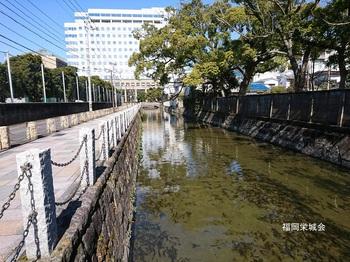 母校 校庭東 整備された多布施川より県庁.jpg