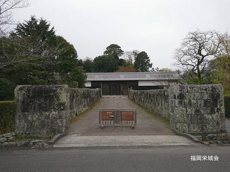 神代 鍋島邸 長屋門.jpg