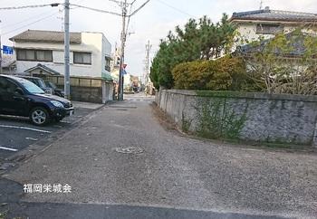 護国神社 西に進む.jpg