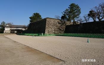 鯱の門 前.jpg