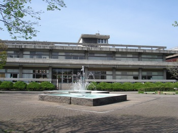 佐賀県立図書館.jpg